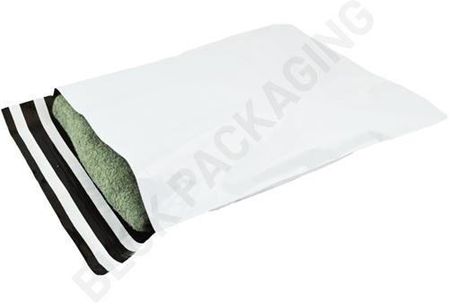 Verzendzakken 340 x 430 mm plastic (COEX) met retourstrip - per 100 stuks